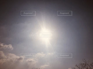 空には雲のグループの写真・画像素材[1868587]