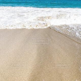 波打ち際の写真・画像素材[4843751]