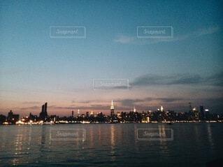 夕暮れの街並みの写真・画像素材[4899093]