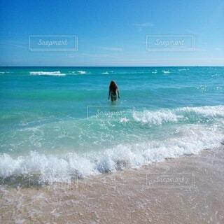 澄んだ海の写真・画像素材[4899574]