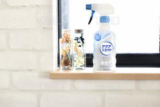 窓際の掃除にアクアショットの写真・画像素材[2808837]