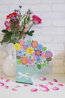 花瓶と色紙の写真・画像素材[2894926]