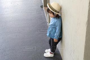 帽子をかぶった女の子の写真・画像素材[2999258]