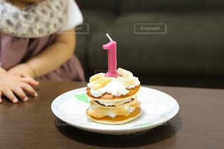 1歳の誕生日ケーキの写真・画像素材[3977432]