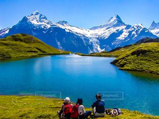 湖とスイスアルプスの写真・画像素材[1822291]