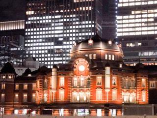 眩しい東京駅の写真・画像素材[1875829]