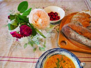 ある日の食卓の風景の写真・画像素材[2148633]