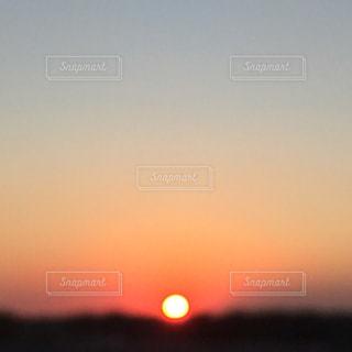 沈む夕日の写真・画像素材[974369]