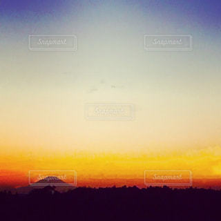 日出ずる国の日の入りの写真・画像素材[974391]