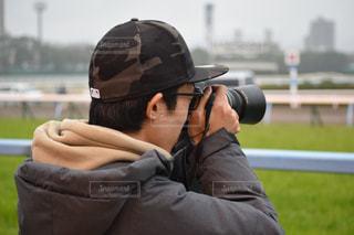カメラ,競馬場,競馬,一眼レフカメラ,カメラ男子