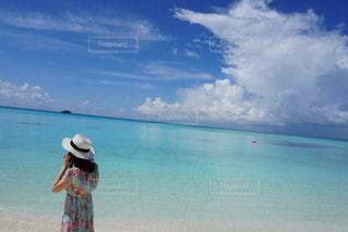 海,モルディブ,ビーチ,青空,景色,麦わら帽子,幸せ,happy,快晴,海外旅行,ハネムーン,honeymoon,水上コテージ,楽園,Maldives,新婚旅行