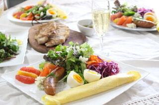 食べ物,ランチ,テーブル,果物,トマト,野菜,付け合わせ