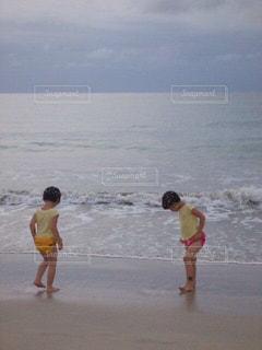 ビーチ,砂浜,波,少女,双子,バリ島,インドネシア