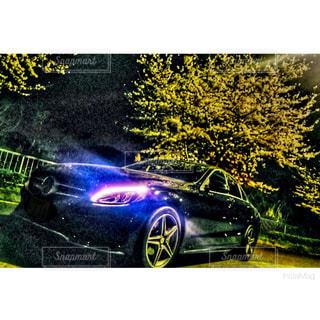 近くに車のアップの写真・画像素材[1855614]