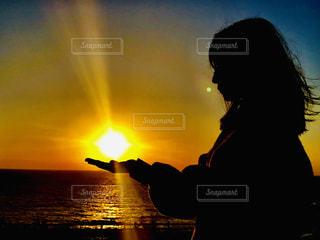 夕日と影のコントラストの写真・画像素材[1845213]