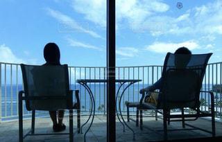 空と海を眺めるの写真・画像素材[2068579]