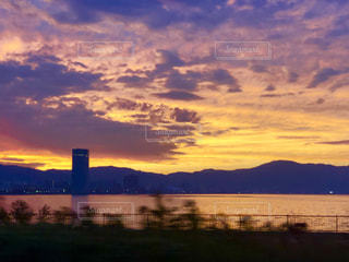 琵琶湖と夕焼けの写真・画像素材[2794268]