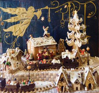 お菓子で出来たクリスマスの風景の写真・画像素材[2824416]