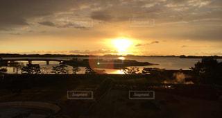 自然,風景,海,空,冬,屋外,太陽,朝日,ビーチ,雲,黄色,水面,海岸,鮮やか,日の出,yellow
