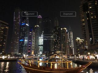 夜景,ビル,船,ネオン,都会,旅行,ロマンチック,海外旅行,ドバイ