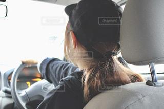 後ろ姿,女の子,人,後姿,車の中