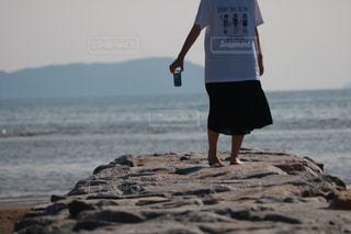 20代,海,夏,カメラ,カメラ女子,散歩,海岸,女子,人物,人,ポートレート,さんぽ,お散歩,インスタ映え