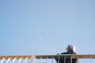 月を見るの写真・画像素材[2435796]