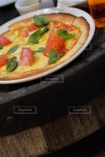 食べ物,夜,屋外,海外,外,食べる,料理,おいしい,ピザ