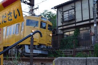 風景,乗り物,電車,黄色,線路,景色,イエロー,踏切,カラー,色