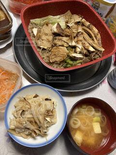 秋の贅沢な夕ご飯の写真・画像素材[3788584]