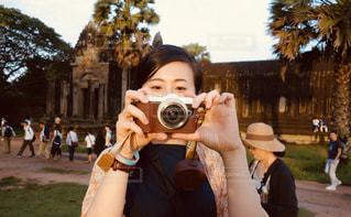カメラを持っている人の写真・画像素材[1848929]