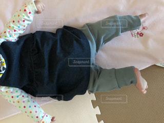 赤ちゃんの春コーデの写真・画像素材[1884304]