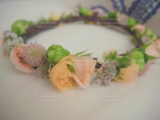 やさしい色の花冠の写真・画像素材[2007819]