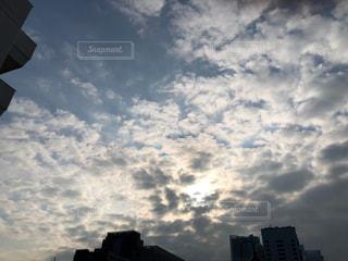 自然,空,雲,青い空,都会,高層ビル,魔法,草木,高い,クラウド
