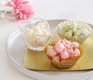 皿の上の食べ物のクローズアップの写真・画像素材[2991514]