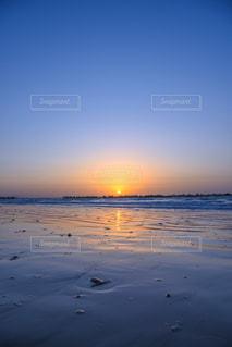 空,夕日,太陽,ビーチ,夕暮れ,幻想的,水面,海岸,グラデーション