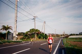 25度以上の中走り、きついマラソンコースの写真・画像素材[1828971]