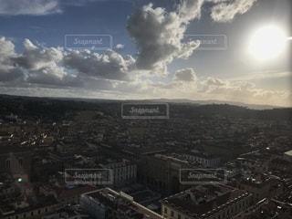 空には雲のグループの写真・画像素材[1862615]