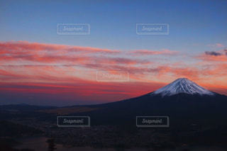 夕焼けと富士山の写真・画像素材[1987830]