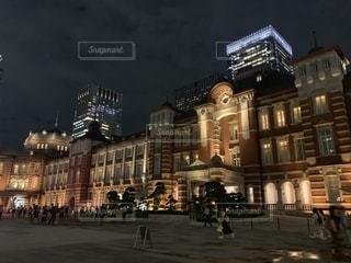 夜の東京駅の写真・画像素材[2393703]