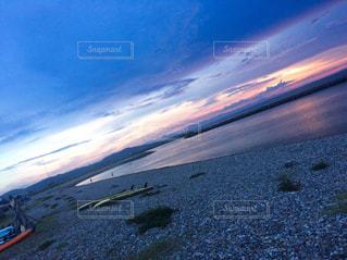 夏の夕焼けと海の写真・画像素材[1873957]