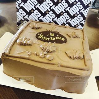 食べ物,ケーキ,茶色,デザート,誕生日,チョコレートケーキ,チョコ,ブラウン,フォトジェニック,シェア,ビッグサイズ