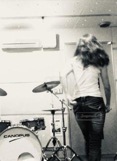 女性,後ろ姿,ドラマー,ドラム