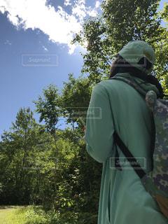 自然,風景,森林,木,屋外,後ろ姿,景色,トレッキング,大地,背中,緑色 緑