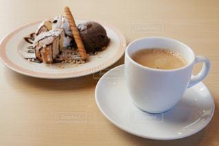 デザートとコーヒーの写真・画像素材[2909599]