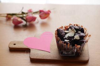 バレンタイン用にパン屋さんで販売してました。の写真・画像素材[2938071]