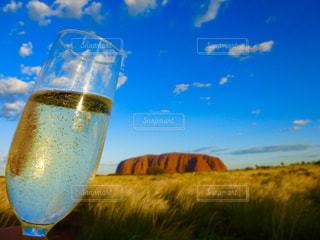 飲み物,風景,空,草原,雲,岩,グラス,オーストラリア,乾杯,エアーズロック,ドリンク,シャンパン,ウルル
