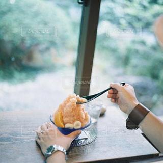 カフェでかき氷の写真・画像素材[2253996]