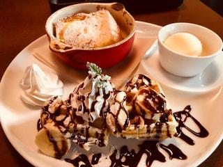 デザート,フレンチトースト,ワッフル,アイス,ベージュ,ミルクティー色