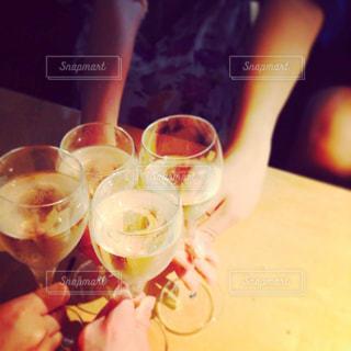 食事,お酒,グラス,ご飯,乾杯,ドリンク,シャンパン,おしゃれ,女友達,bbf,20歳の誕生日おめでとう